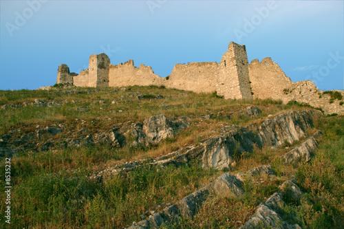Photo Le mura di cinta del Castello di Avella
