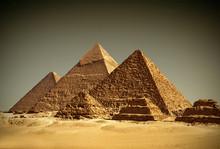 Pyramides - Gizeh / Egypt