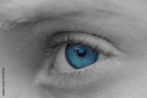 niebieski-na-czarnym