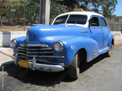 Deurstickers Cubaanse oldtimers old Cuban 1950 taxi in Havana Cuba
