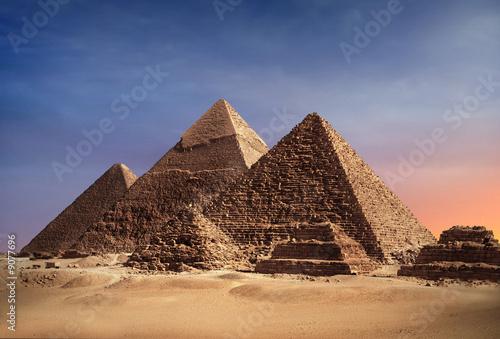In de dag Egypte Pyramiden von Gizeh in der Abendsonne