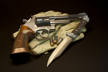 41 Magnum Revolver With Ammo A...