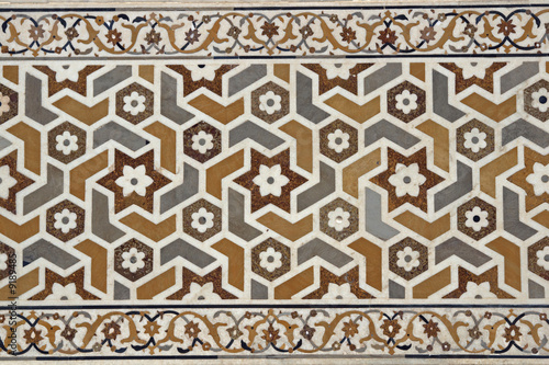 Fényképezés  Detail of Inlaid Marble on Islamic Tomb at Agra, India
