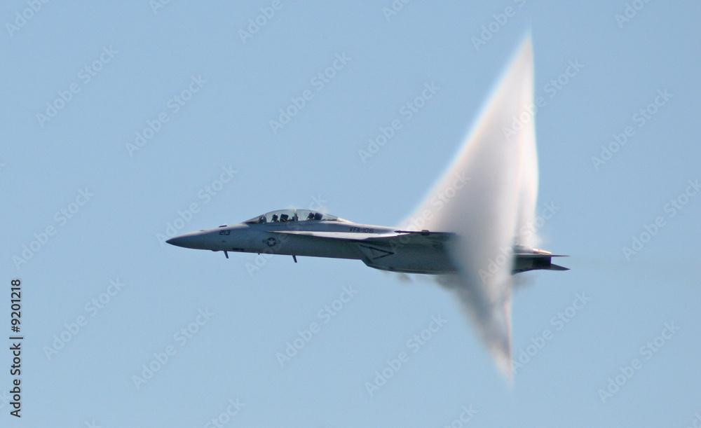 Fototapeta F-18 flirts with sound barrier