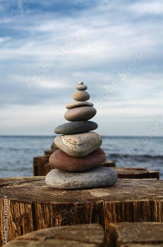 Doppelrollo mit Motiv - Steinpyramide (von Marvin Simchen)