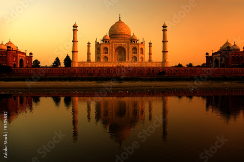 Poster India taj mahal in india during a beautiful sunset
