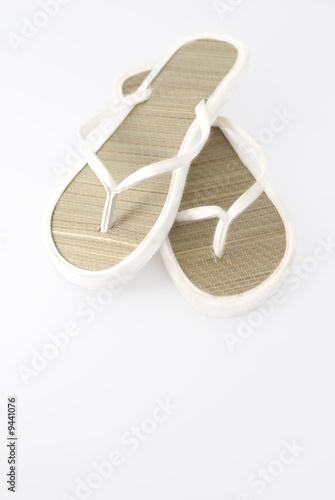 a585964231bcbc White flip-flops