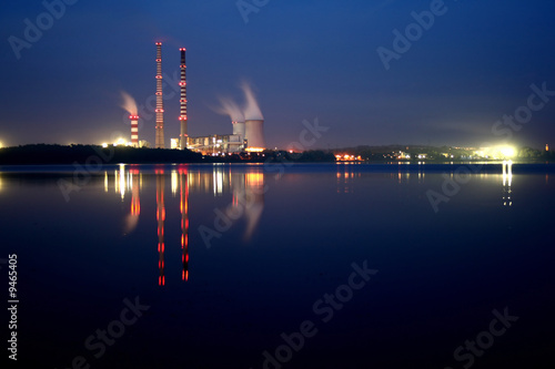 Power station by night Fototapet