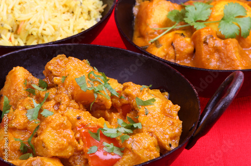 Spoed Fotobehang Eten Indian vegetable curry, in a balti serving dish