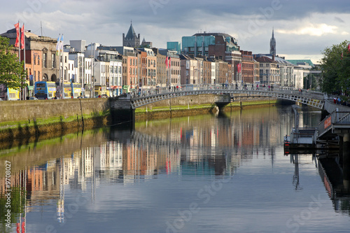 Photo  river liffey, evening light
