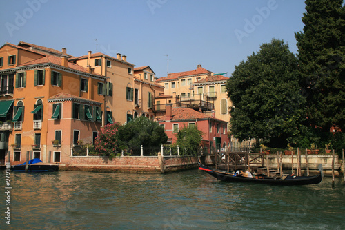 Garden Poster Napels Gondola and homes at the Grande Canale, Venice, Italy