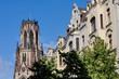 canvas print picture - Kirche mit Häuserzeile