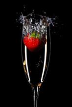 Strawberry Splash In A Champag...