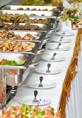 Fotografie, Obraz  metallic banquet meal trays served on tables