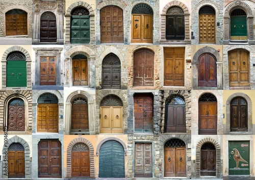 Photo  Collection vintage obsolete elegant tuscany door