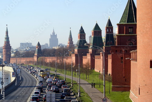Photo Traffic near wall of Kremlin, Moscow, Russia