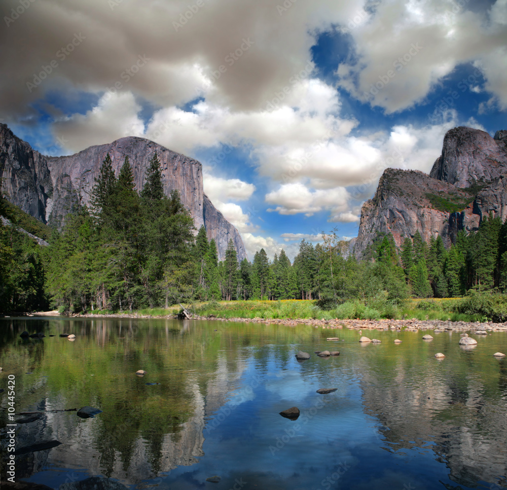 Photo  Beautiful El Capitan Yosemite National Park
