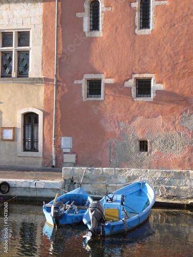 Wall Murals Scooter Martigues, canal saint sébastien
