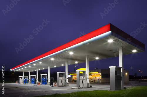 Photo  Gas station at night