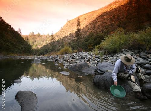 Valokuva prospector,miner,gold,panning