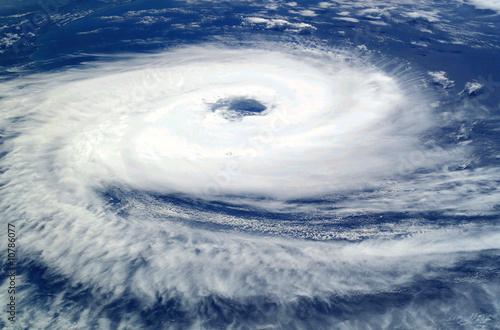 Carta da parati ciclone catarina