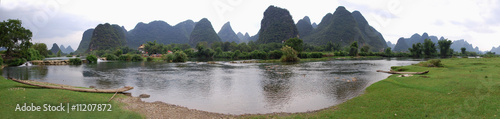 Tuinposter Guilin Chinese landscape, beautiful mountains in Yangshuo and River Lee
