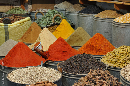 Papiers peints Maroc Spices shop in the medina of Fes, Morocco