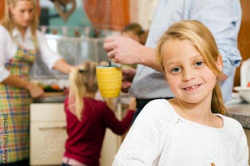 Foto  Alltag in der Familie – Morgenroutine