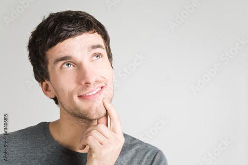 Mann mit Gedankenblase