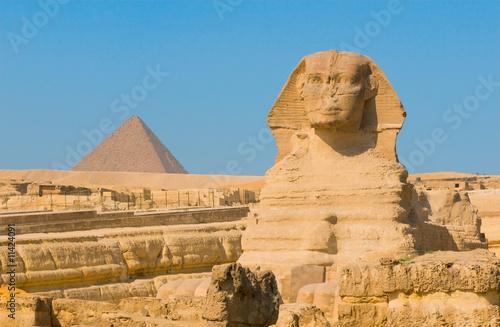 sfinks-i-piramidy-w-gizie-w-kairze