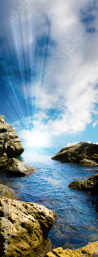 Foto-Leinwand - Sea tide between rocks