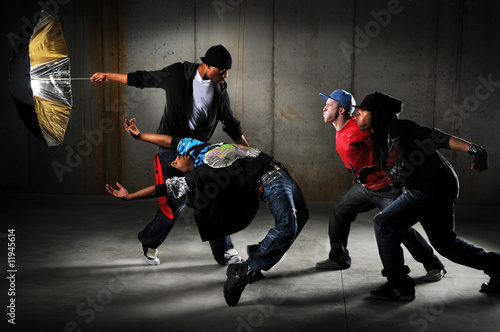 Fotografie, Obraz  Hip Hop Men Performing