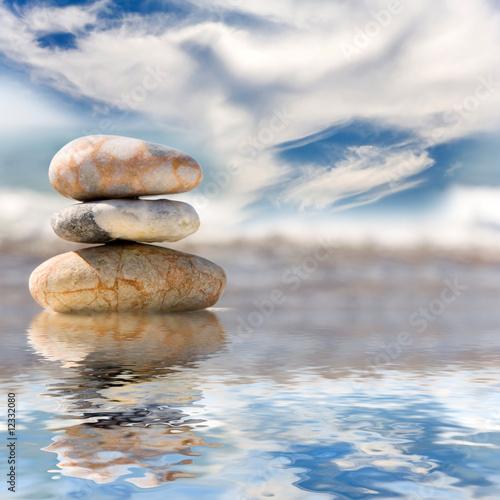 Doppelrollo mit Motiv - Stack of pebbles (von Guy Shapira)