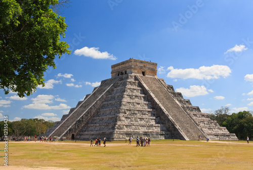 Foto op Canvas Mexico The temples of chichen itza temple in Mexico