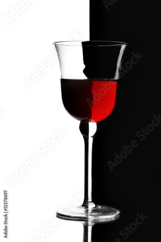 Poster Rouge, noir, blanc Glass of red wine