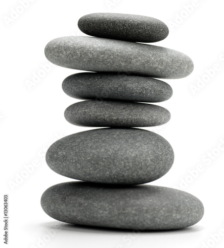 Photo  6 pebbles stacked - image isolated over white background