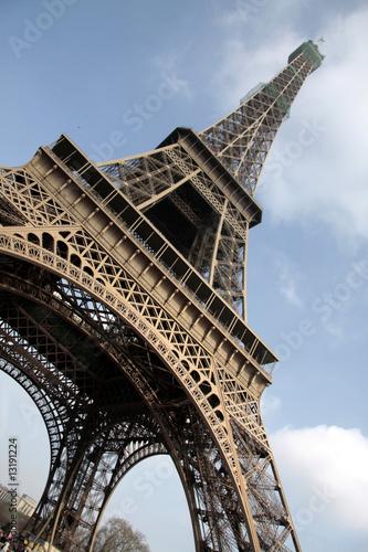 Tour Eiffel vue du bas #13191224