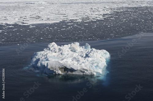 Foto op Aluminium Arctica Iceberg