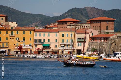 Fotografía  Porto Ferraio, Hafen auf der Insel Elba, Toskana, Italien,