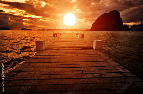 Poster de jardin Rouge mauve Jetty into the Sunset