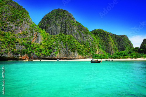 Aluminium Prints Green coral Maya Bay