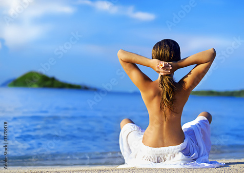 Foto-Kissen - meditation on the beach (von Leonid & Anna Dedukh)