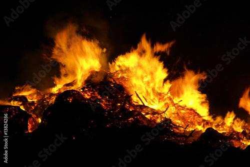 In de dag Vuur / Vlam Hexenfeuer - Walpurgis Night bonfire 09