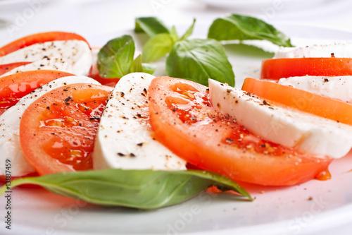 Fotografía  classic caprese salad