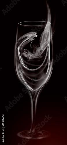 Fototapeta premium Artystyczna ilustracja Smoke Wine Cocktail Glass on black