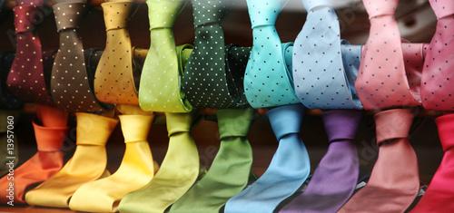 Fotografia  Varicolored Ties in a shopwindow