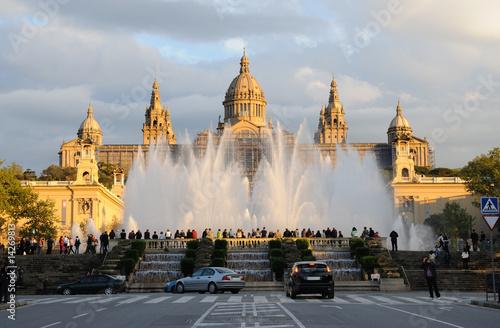 Papiers peints Barcelona Magic Fountain and Palau Nacional in Barcelona, Spain