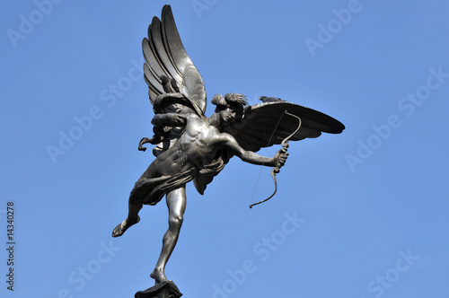 Photo  Eros Statue, Piccadilly Circus (London)