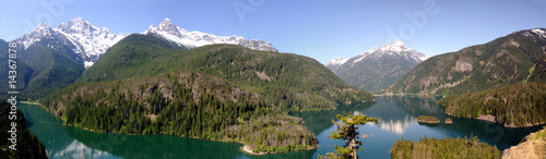 Photo sur Aluminium Reflexion North Cascades and Diablo lake Panorama