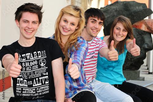 Fotografia  Młodzi głosowali pozytywnie